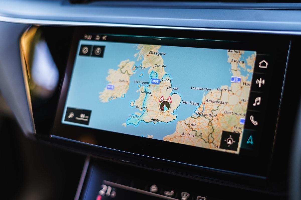 Audi e-tron satnav