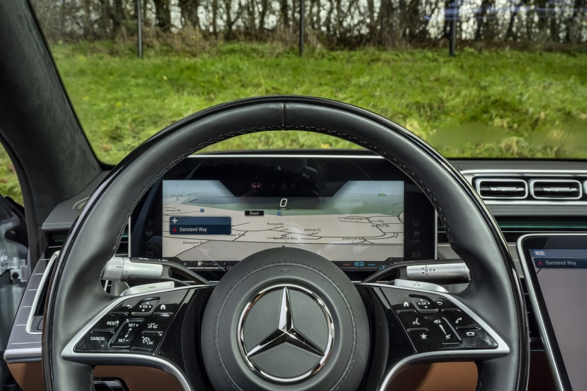 Mercdes S500 dashboard